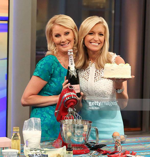 Sandra Lee appears on the Cooking With Friends segment of 'Fox Friends' with host Ainsley Earhardt at FOX Studios on July 6 2016 in New York City