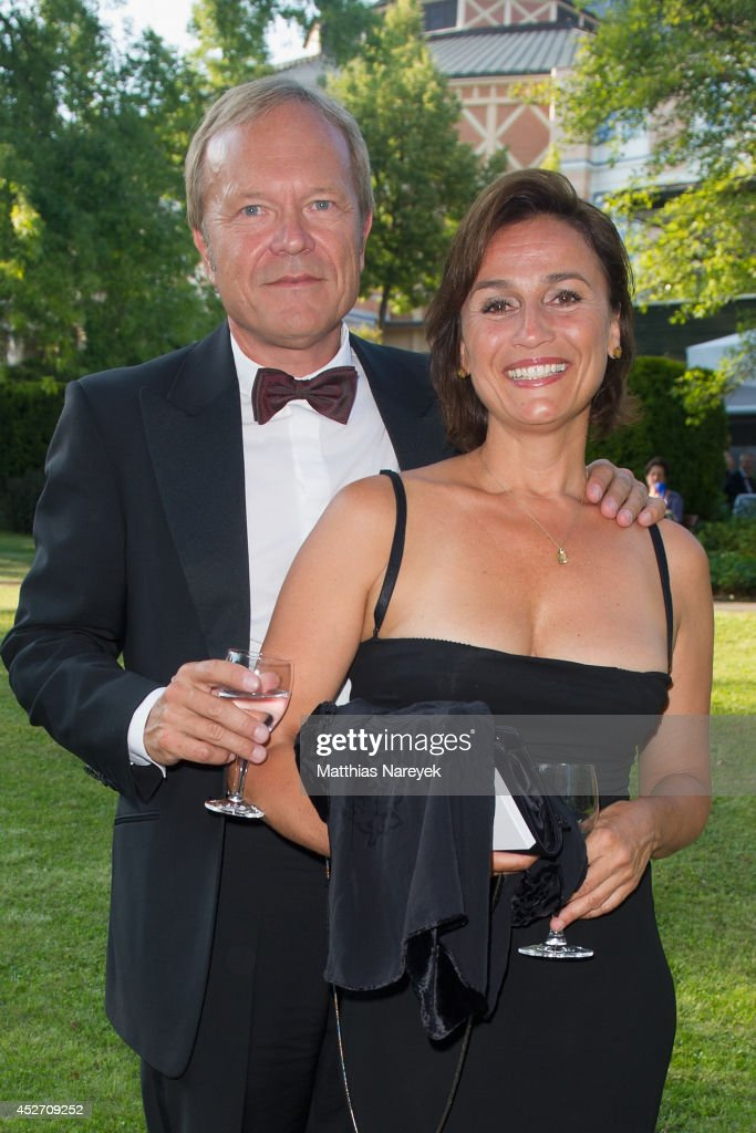 <a gi-track='captionPersonalityLinkClicked' href=/galleries/search?phrase=Sandra+Maischberger&family=editorial&specificpeople=636054 ng-click='$event.stopPropagation()'>Sandra Maischberger</a> and Jan Kerhart attend the Bayreuth Festival Opening 2014 on July 25, 2014 in Bayreuth, Germany.