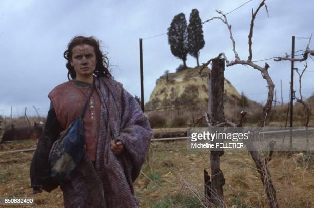 Sandrine Bonnaire sur le tournage du film 'Sans toit ni Loi' réalisé par Agnès Varda le 27 mars 1985 France