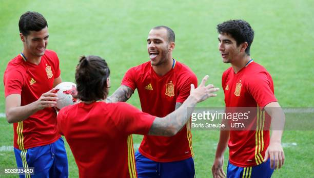 Sandro Ramirez of Spain kid around with team mates during the MD1 training session of the U21 national team of Spain at Krakow stadium on June 29...