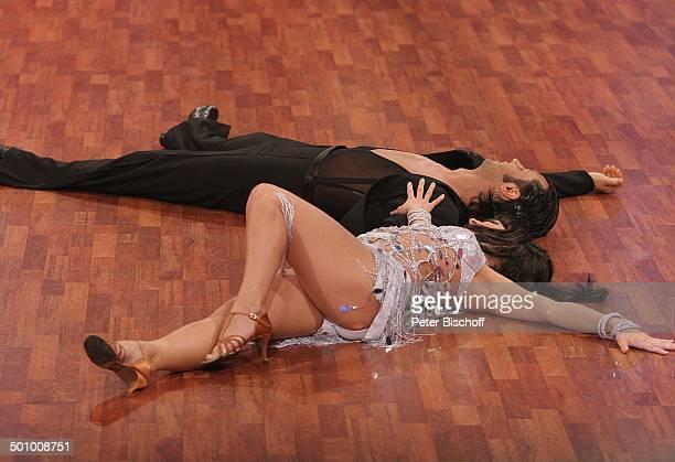 Sandy Mölling Roberto Albanese RTLTanzShow 'Lets Dance' HalbFinale Köln Deutschland PNr 455/2006 'Coloneum' sexy Kostüm bauchfrei schwarze...