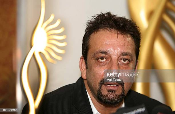 Sanjay Dutt poses with his award at the IIFA awards in Colombo on June 5 2010
