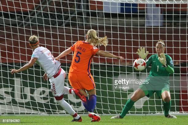 Sanne Troelsgaard of Denmark women Kika van Es of Holland Women goalkeeper Sari van Veenendaal of Holland Women during the UEFA WEURO 2017 Group A...