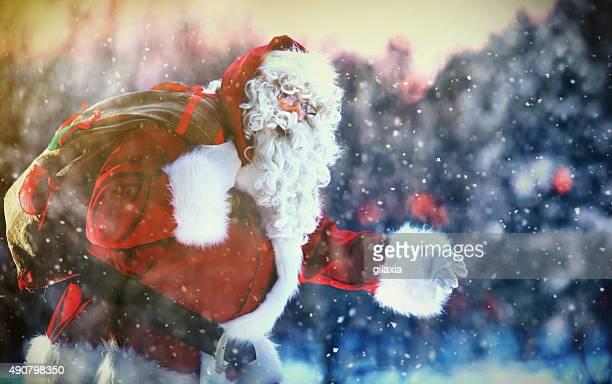 サンタクロースがお届けします。