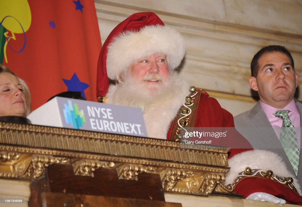 Santa Claus rings the opening bell at the New York Stock Exchange on November 21, 2012 in New York City.