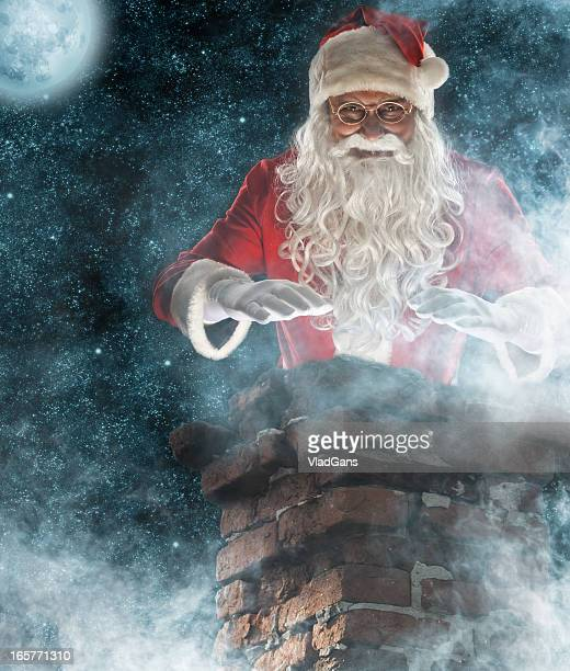 Santa-looks im Kamin