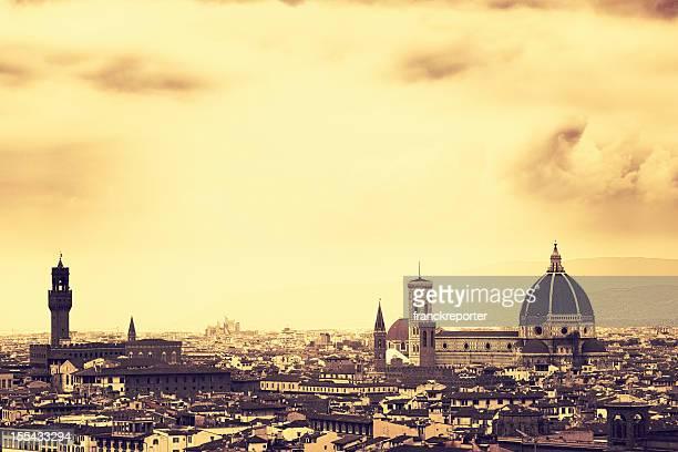 Santa maría novella dome en Florencia al atardecer