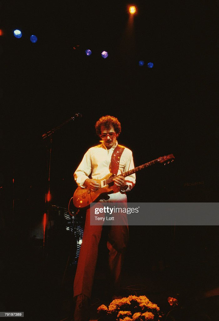 Santana Performing Live At Hammersmith Odeon, London Sony Music Archive/Getty Images/Terry Lott)