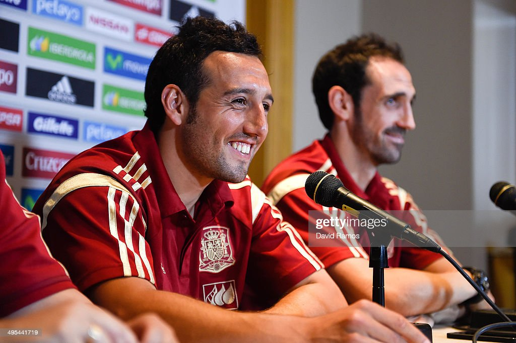 <a gi-track='captionPersonalityLinkClicked' href=/galleries/search?phrase=Santi+Cazorla&family=editorial&specificpeople=709830 ng-click='$event.stopPropagation()'>Santi Cazorla</a> (L) and Juanfran of Spain face the media during a press conference at the Mandarin Hotel on June 3, 2014 in Washington, DC.