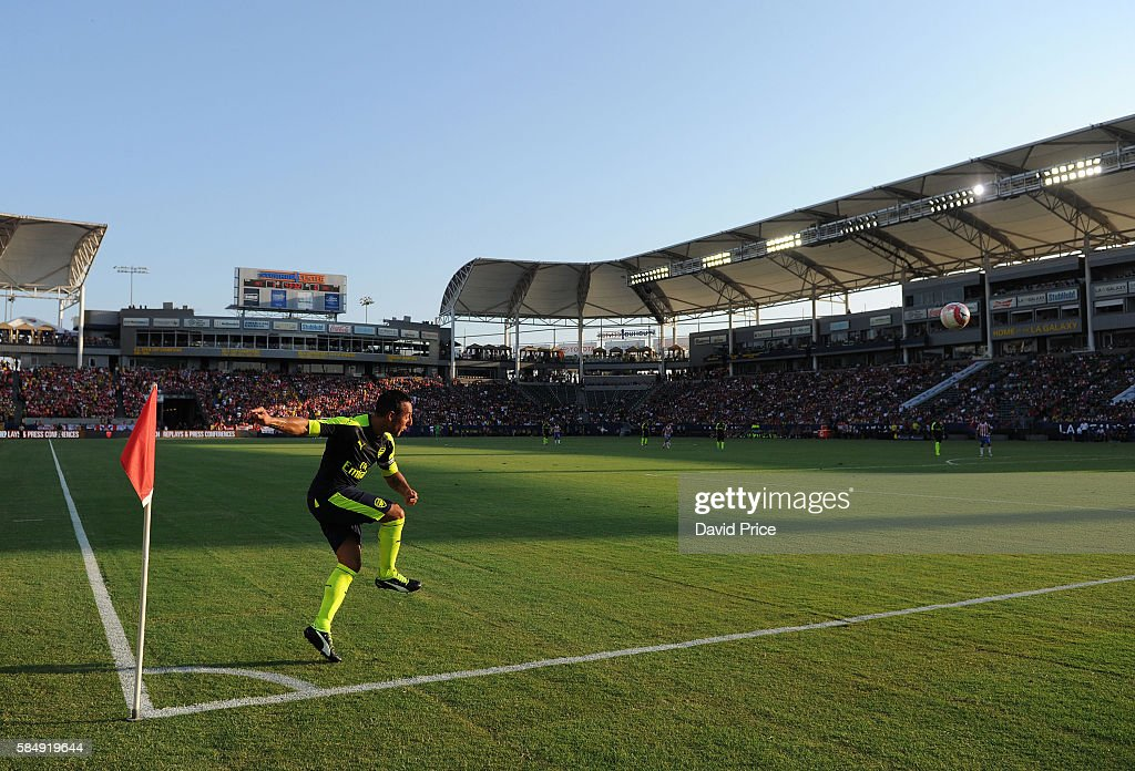 Arsenal v CD Guadalajara : News Photo