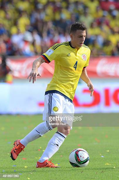 Santiago Arias of Colombia drives the ball during a match between Colombia and Peru as part of FIFA 2018 World Cup Qualifier at Metropolitano Roberto...