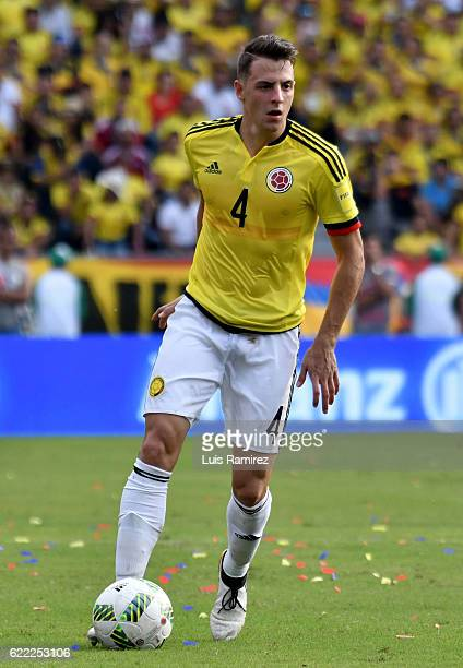 Santiago Arias of Colombia drives the ball during a match between Colombia and Chile as part of FIFA 2018 World Cup Qualifiers at Metropolitano...