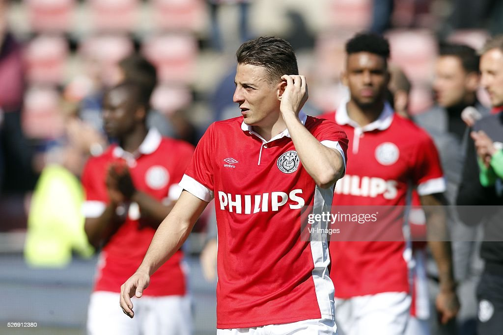 Santiago Arias of PSV during the Dutch Eredivisie match between PSV Eindhoven and SC Cambuur Leeuwarden at the Phillips stadium on May 01, 2016 in Eindhoven, The Netherlands