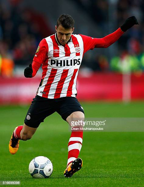 Santiago Arias of PSV in action during the Eredivisie match between PSV Eindhoven and Ajax Amsterdam held at Philips Stadium on March 20 2016 in...