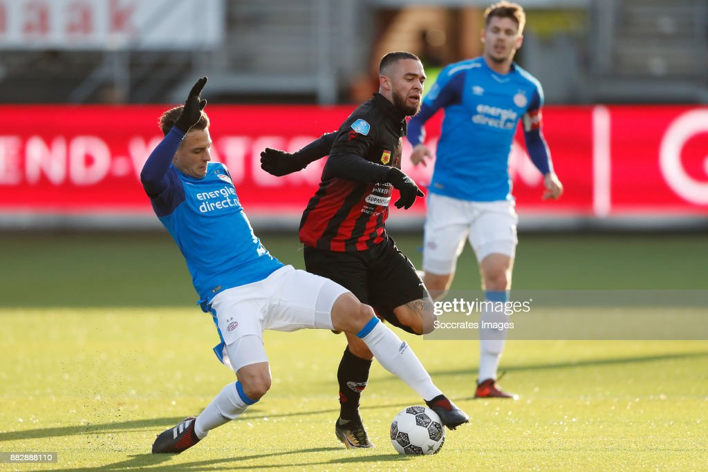 Santiago Arias of PSV, Stanley Elbers of Excelsior during the Dutch Eredivisie match between Excelsior v PSV at the Van Donge & De Roo Stadium on November 26, 2017 in Rotterdam Netherlands