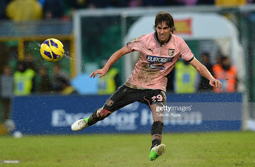 Santiago Garcia of Palermo in action during the Serie A match between US Citta di Palermo v Juventus FC at Stadio Renzo Barbera on December 9, 2012 in Palermo, Italy.