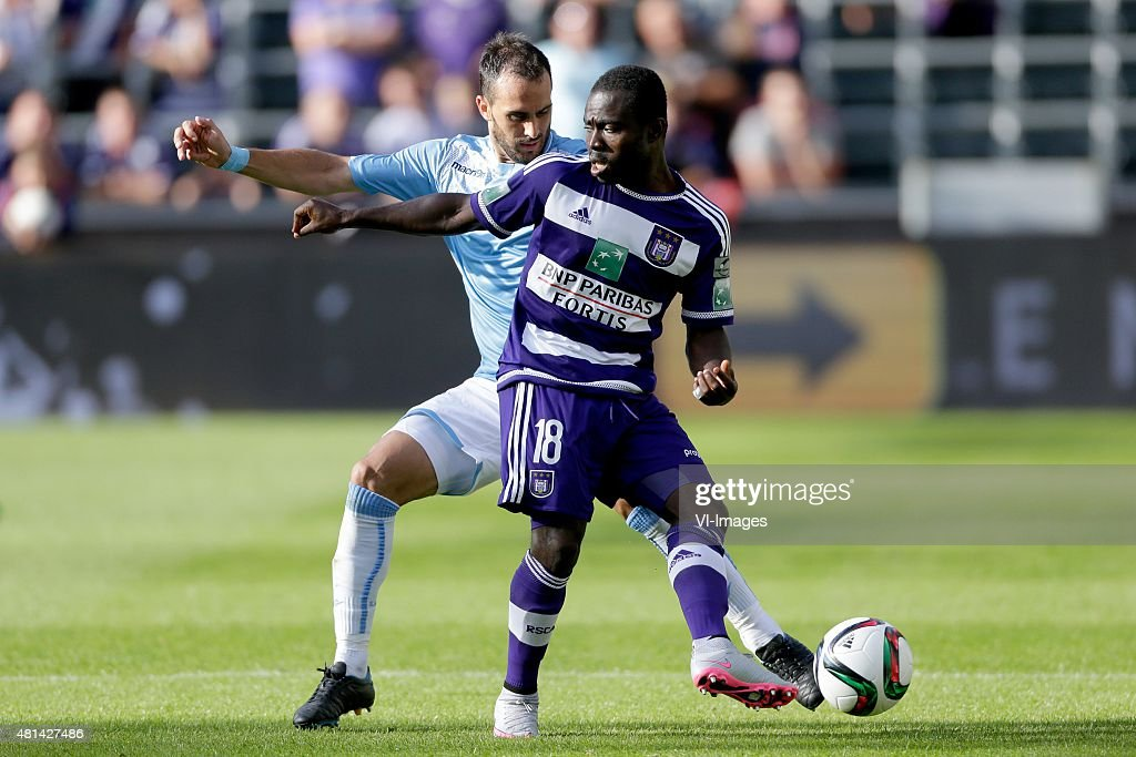 Santiago Gentiletti of SS Lazio Roma Frank Acheampong of Anderlecht during the preseason friendly match between RSC Anderlecht and SS Lazio Roma on...