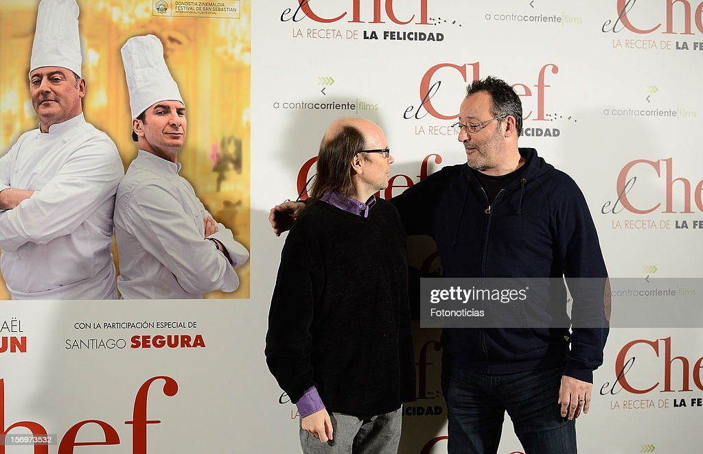 Santiago Segura (L) and Jean Reno attend a photocall for 'El Chef, La Receta de la Felicidad' (Comme Un Chef) at The Intercontinental Hotel on November 26, 2012 in Madrid, Spain.