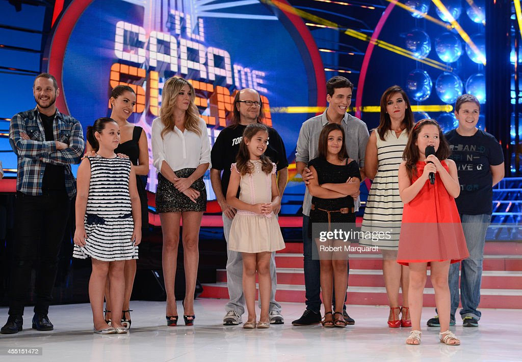 Santiago Segura and the cast of 'Tu Cara Me Suena Mini' pose during a press presentation at the MEDIAPARK studios on September 10 2014 in Barcelona...