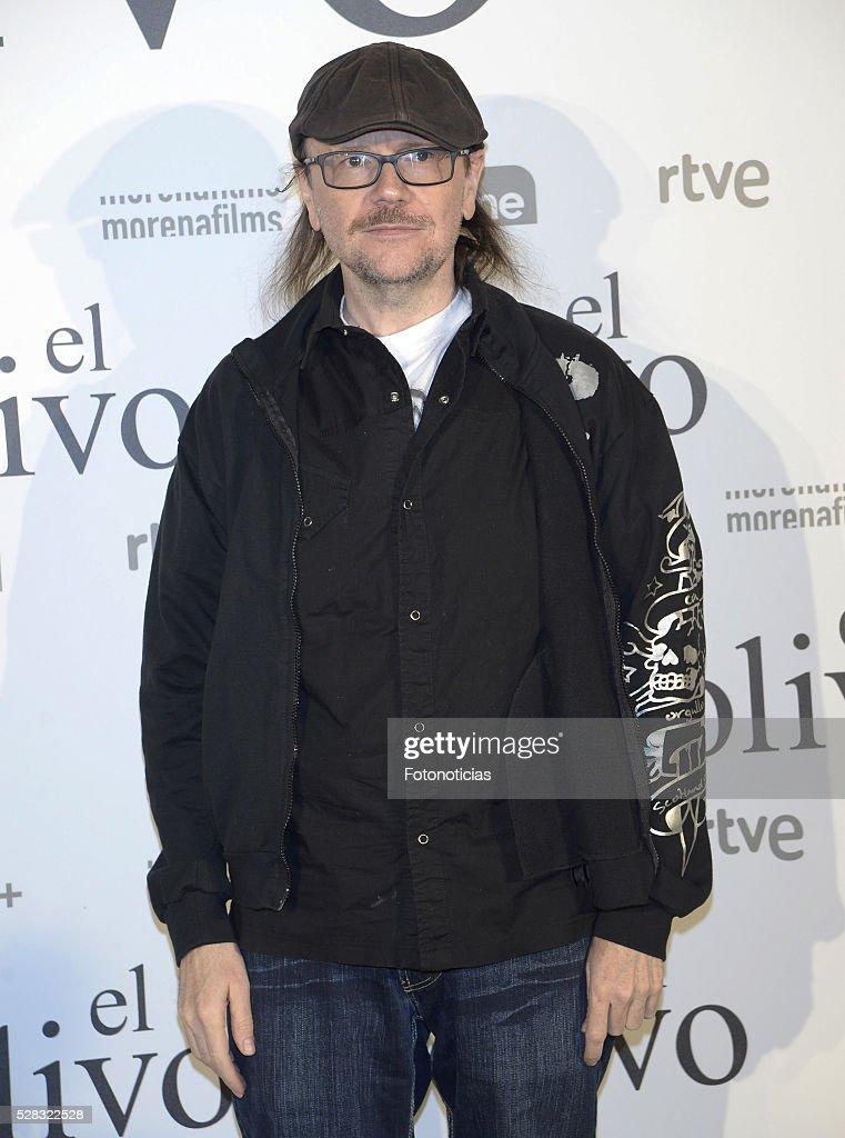 <a gi-track='captionPersonalityLinkClicked' href=/galleries/search?phrase=Santiago+Segura&family=editorial&specificpeople=2221296 ng-click='$event.stopPropagation()'>Santiago Segura</a> attends the premiere of 'El Olivo' at the Capitol cinema on May 4, 2016 in Madrid, Spain.