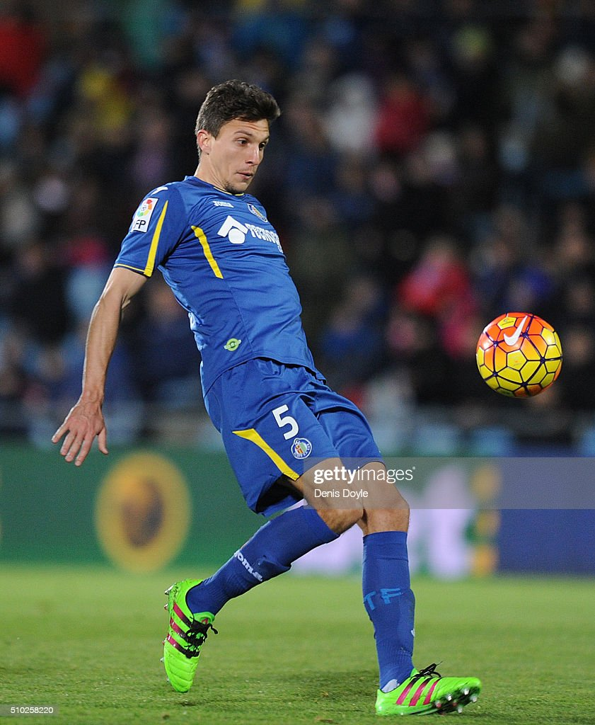 <a gi-track='captionPersonalityLinkClicked' href=/galleries/search?phrase=Santiago+Vergini&family=editorial&specificpeople=9749014 ng-click='$event.stopPropagation()'>Santiago Vergini</a> of Getafe in action during the La Liga match between Getafe CF and Club Atletico de Madrid at Coliseum Alfonso Perez on February 14, 2016 in Getafe, Spain.