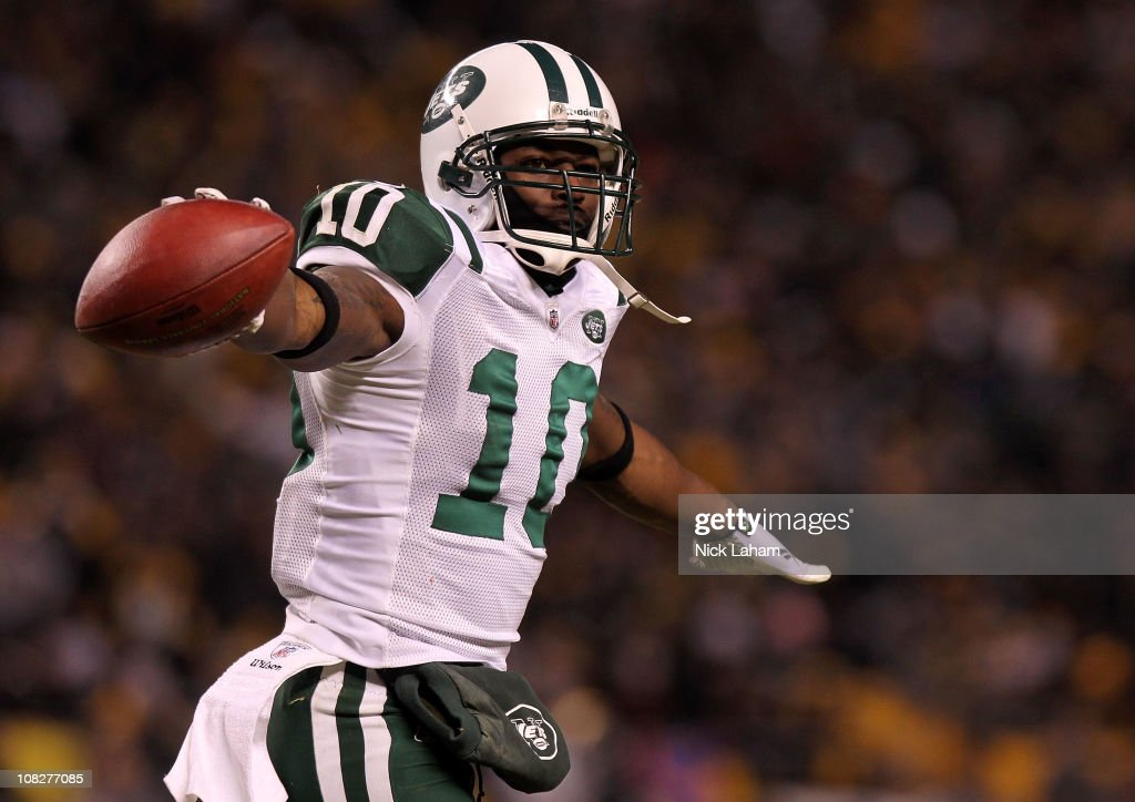 <a gi-track='captionPersonalityLinkClicked' href=/galleries/search?phrase=Santonio+Holmes&family=editorial&specificpeople=618140 ng-click='$event.stopPropagation()'>Santonio Holmes</a> #10 of the New York Jets celebrates after he scored a third quarter touchdown against the Pittsburgh Steelers during the 2011 AFC Championship game at Heinz Field on January 23, 2011 in Pittsburgh, Pennsylvania.