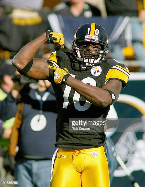 Santonio Holmes of the Pittsburgh Steelers celebrates a play against the Minnesota Vikings at Heinz Field on October 25 2009 in Pittsburgh...