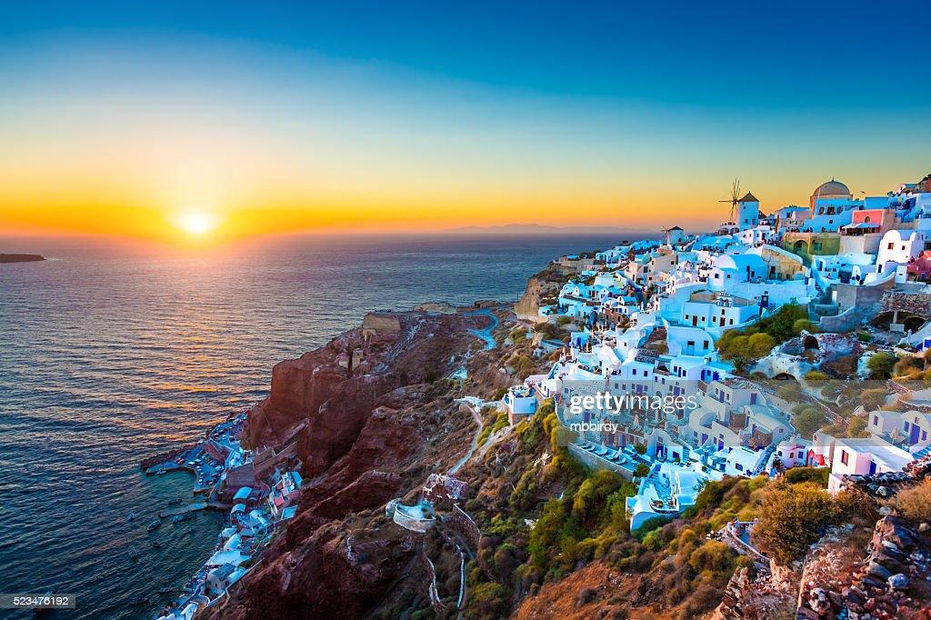Aldea de Oia, Santorini, Grecia : Foto de stock
