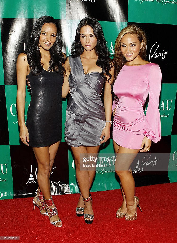 Sanya Hughes (L) Antoinette Nikprelaj and Daphne Joy, mermaids of 'Pirates Of The Caribbean: On Stranger Tides' arrive at Chateau Nightclub & Gardens on June 3, 2011 in Las Vegas, Nevada.