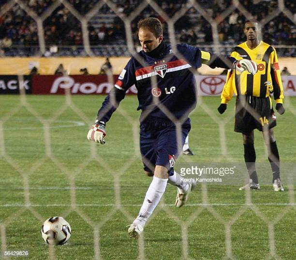 Sao Paulo goalkeeper Rogerio Ceni takes a penalty during the FIFA Club World Championship Toyota Cup 2005 match between Sao Paulo FC and Al Ittihad...