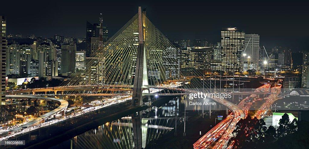 Sao Paulo - Ponte Estaiada / Sao Paulo Cable-staye