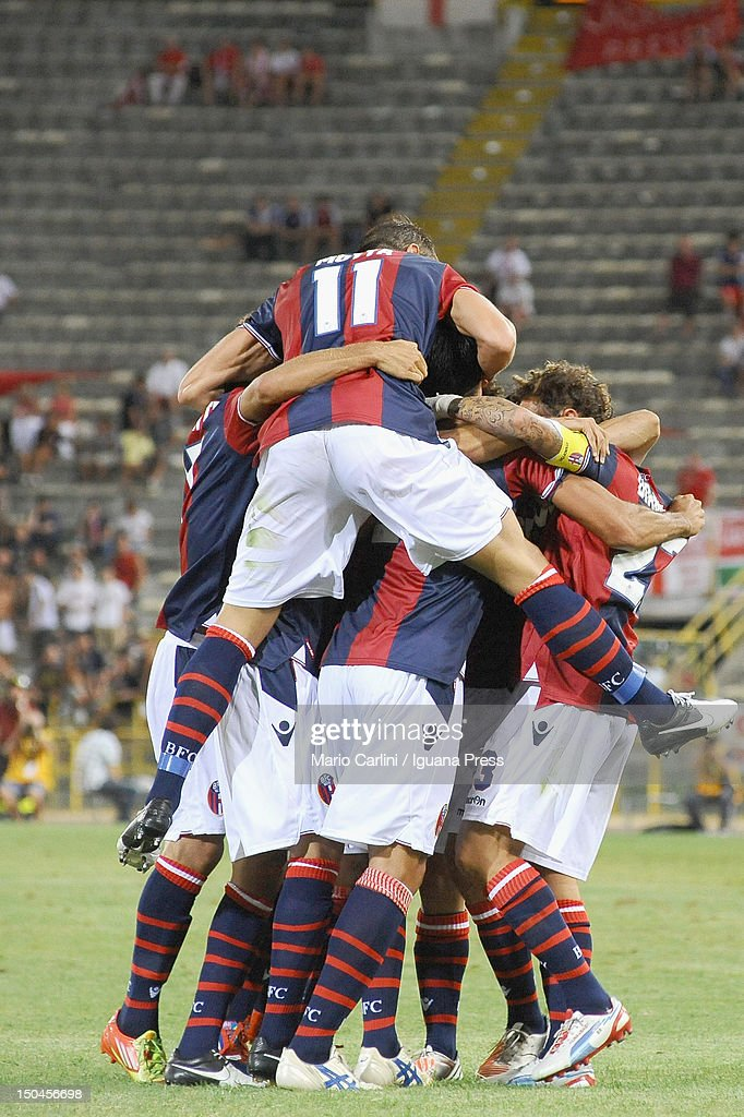 Saphir Taider # 6 of Bologna FC celebrates with his teamates after scoring his team's opening goal during thw TIM Cup match between Bologna FC and AS Varese at Stadio Renato Dall'Ara on August 18, 2012 in Bologna, Italy.