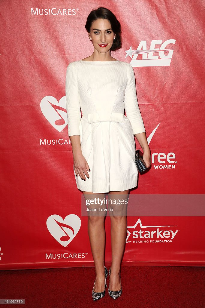 <a gi-track='captionPersonalityLinkClicked' href=/galleries/search?phrase=Sara+Bareilles&family=editorial&specificpeople=4116387 ng-click='$event.stopPropagation()'>Sara Bareilles</a> attends the 2014 MusiCares Person of the Year honoring Carole King at Los Angeles Convention Center on January 24, 2014 in Los Angeles, California.