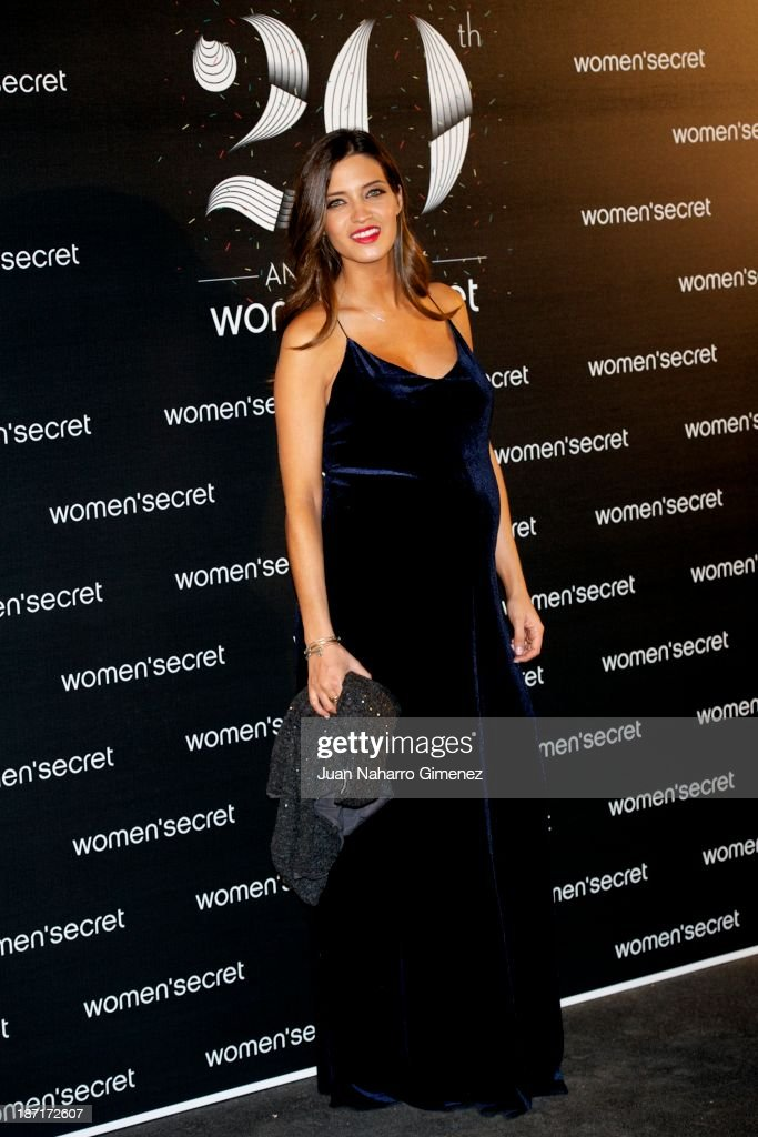 <a gi-track='captionPersonalityLinkClicked' href=/galleries/search?phrase=Sara+Carbonero&family=editorial&specificpeople=5723366 ng-click='$event.stopPropagation()'>Sara Carbonero</a> attends Women'secret New Collection presentation 20th anniversary at Botanic Garden on November 6, 2013 in Madrid, Spain.
