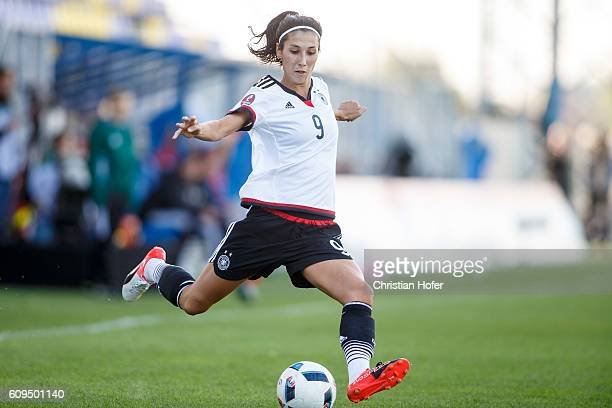 Sara DoorsunKhajeh of Germany controls the ball during the UEFA Women's Euro 2017 Qualifier between Hungary and Germany at Gyirmot Stadium on...