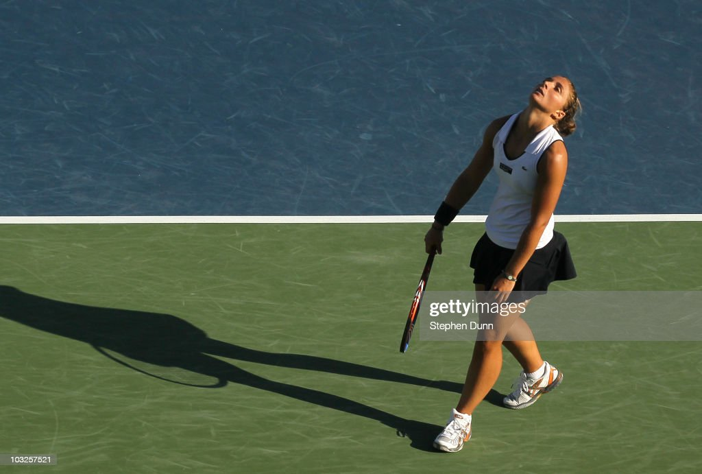 <a gi-track='captionPersonalityLinkClicked' href=/galleries/search?phrase=Sara+Errani&family=editorial&specificpeople=599213 ng-click='$event.stopPropagation()'>Sara Errani</a> of Italy reacts after losing a point against Svetlana Kuznetsova of Russia during their match in the Mercury Insurance Open at La Costa Resort and Spa on August 5, 2010 in Carlsbad, California.