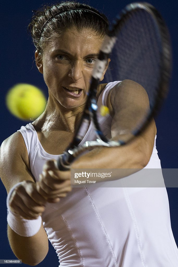 Sara Errani of Italy returns the ball during the final tennis match against Carla Suarez of Spain as part of the Mexican Tennis Open Acapulco 2013 at Pacific resort on March 02, 2013 in Acapulco, Mexico.