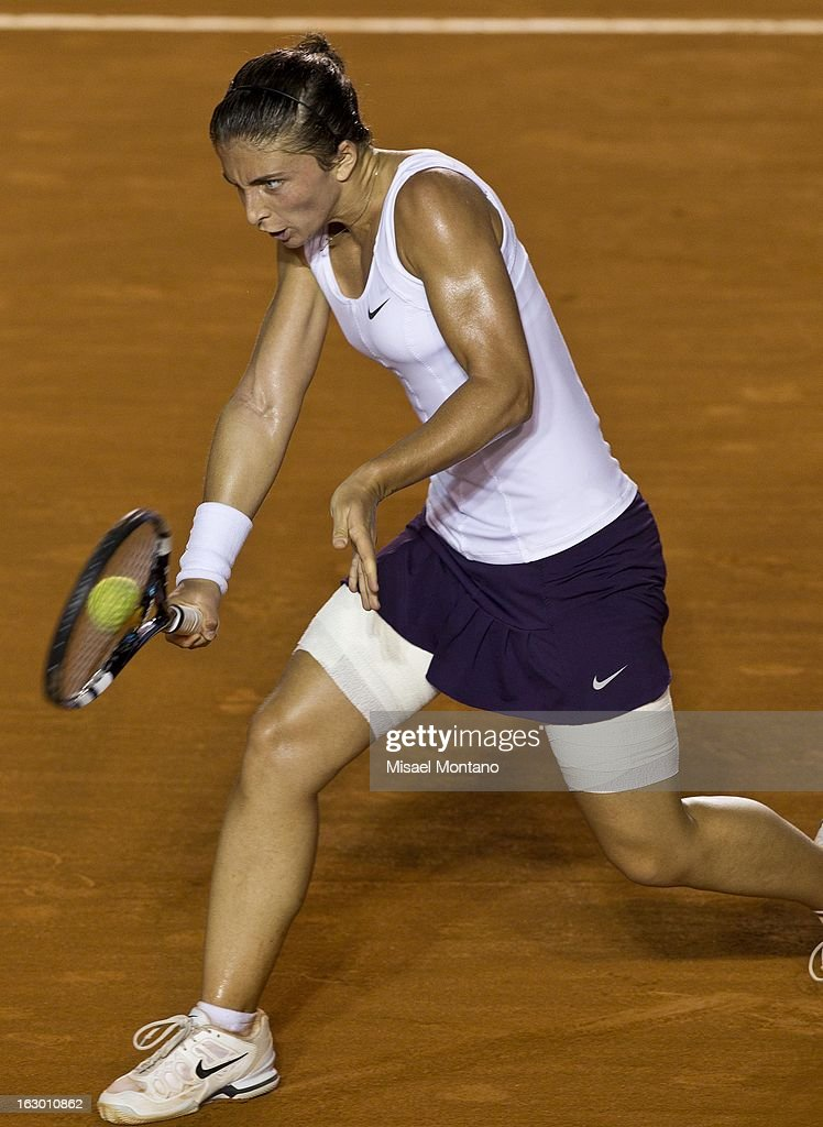 Sara Errani of Italy returns the ball during the match against Carla Suarez of Spain during the final round at the ATP Mexican Open Telcel on March 1, 2013 in Acapulco, Mexico.