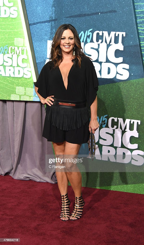 Sara Evans attends the 2015 CMT Music awards at the Bridgestone Arena on June 10, 2015 in Nashville, Tennessee.