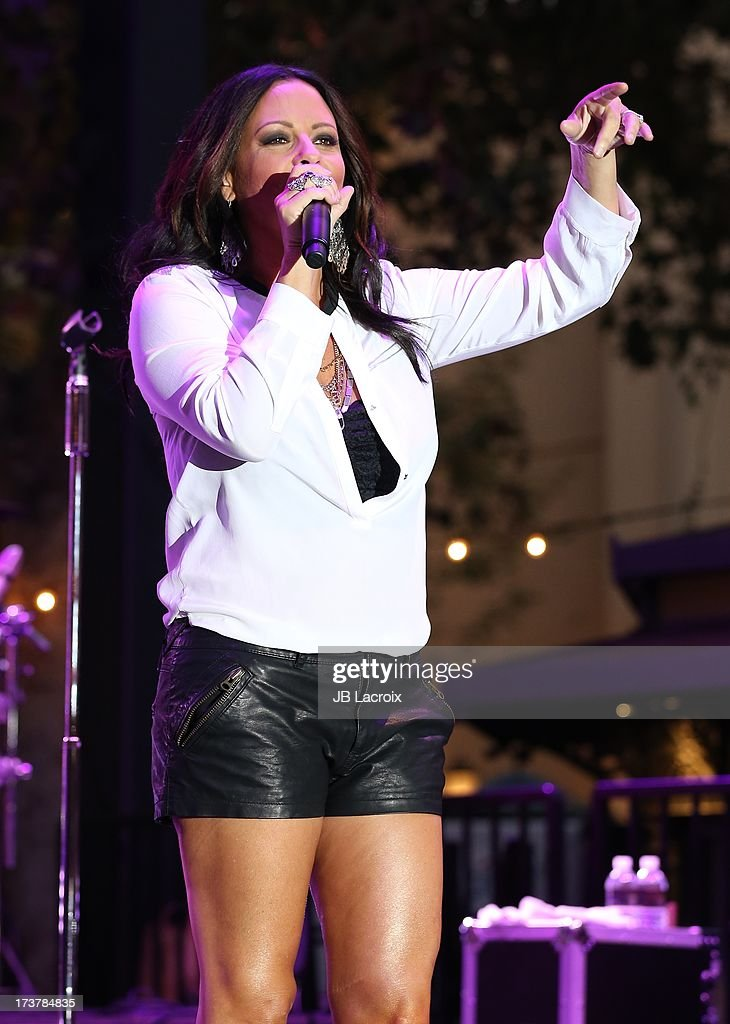 Sara Evans performs at The Grove on July 17, 2013 in Los Angeles, California.