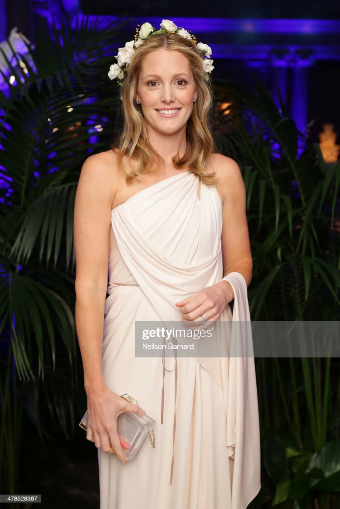 Sara Gilbane Beauteous Of The Frick Young Fellows Ball 2014 Image