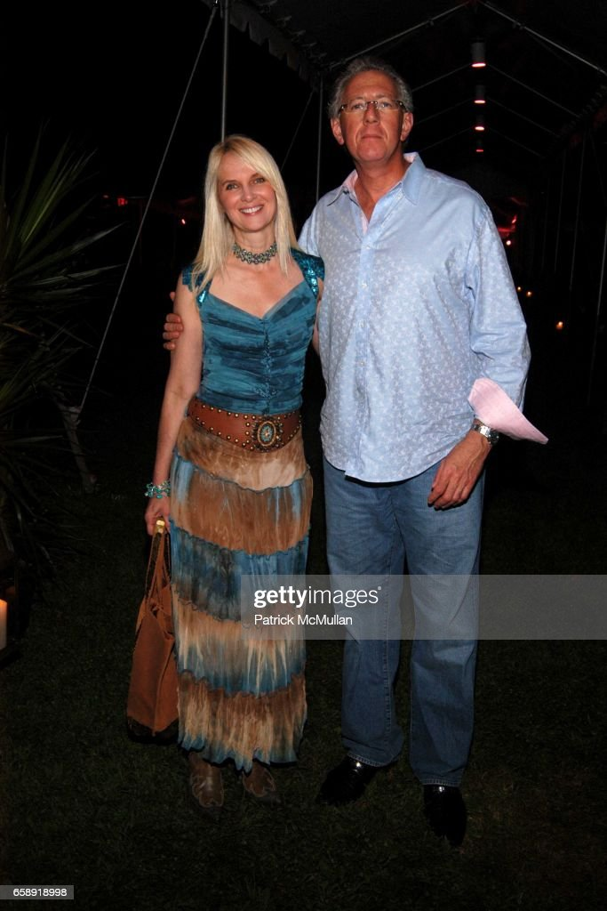 Sara Herbert-Galloway and Barry Klarberg attend BEST BUDDIES Hamptons Gala at Home of Anne Hearst McInerney and Jay McInerney on August 21, 2009 in Watermill, NY.