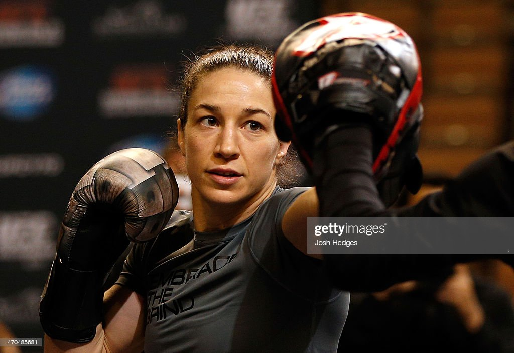 <a gi-track='captionPersonalityLinkClicked' href=/galleries/search?phrase=Sara+McMann&family=editorial&specificpeople=171852 ng-click='$event.stopPropagation()'>Sara McMann</a> holds an open training session for fans and media at the Mandalay Bay Events Center on February 19, 2014 in Las Vegas, Nevada.