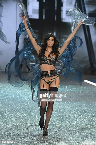 Sara Sampaio walks the runway at the Victoria's Secret Fashion Show on November 30 2016 in Paris France