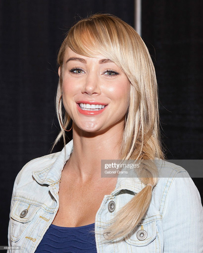 Sara Underwood attends Wizard World Chicago Comic Con 2014 at Donald E. Stephens Convention Center on August 23, 2014 in Chicago, Illinois.