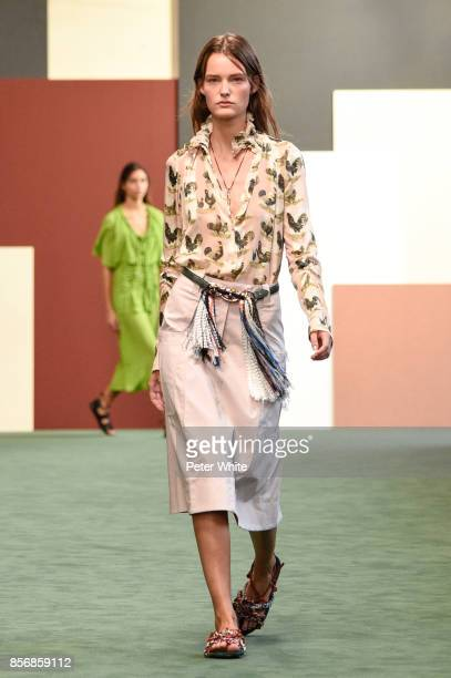 Sara van der Hoek walks the runway during the Carven show as part of the Paris Fashion Week Womenswear Spring/Summer 2018 on September 28 2017 in...