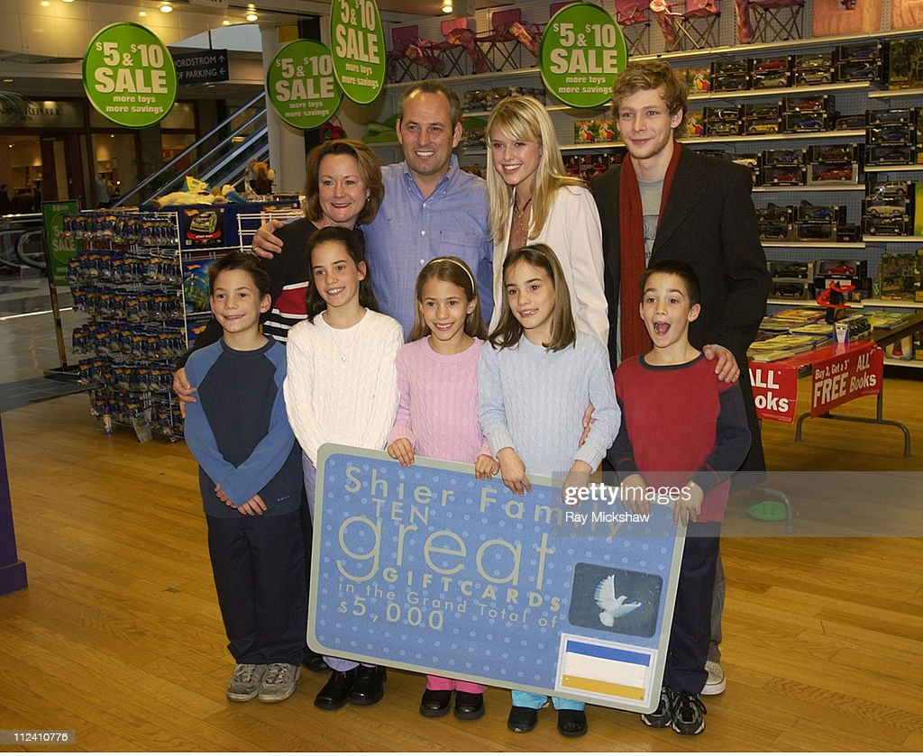 Sara Wright and Johnny Lewis from 'Quintuplets' meet real life quintuplets the Shier Family and pass out gift cards for an allout shopping spree...