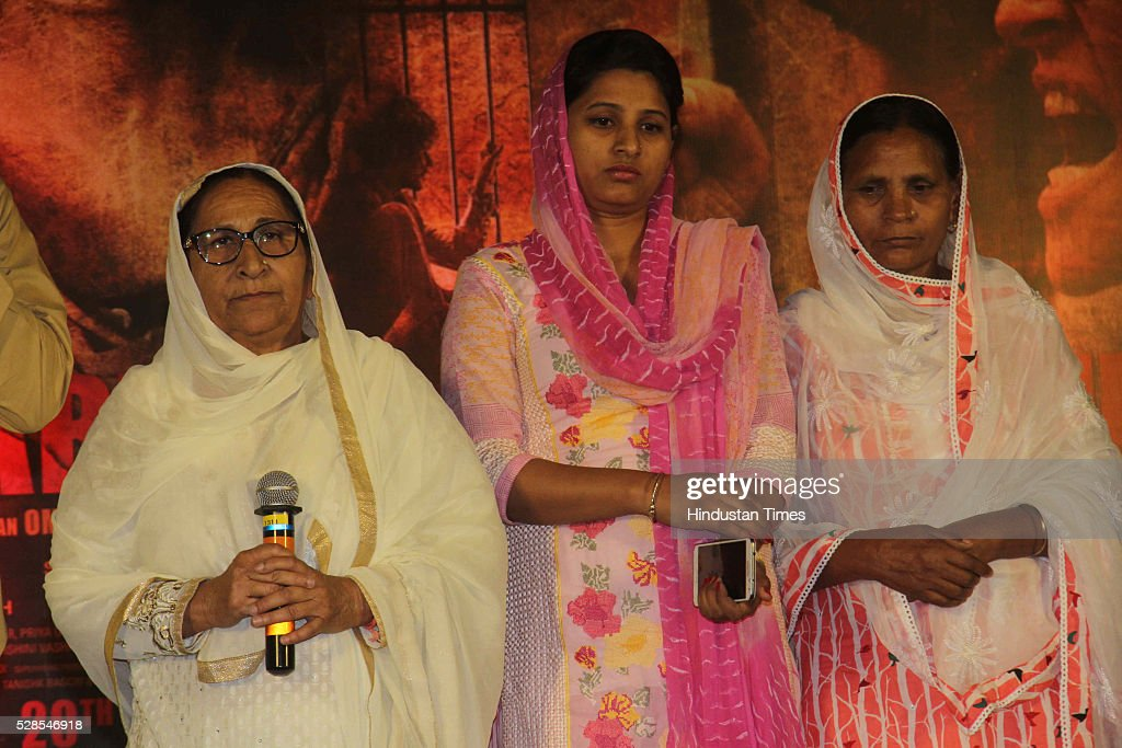 Sarabjit Singh's sister Dalbir Kaur, daughter Poonam Kaur and wife Sukhpreet Kaur pay homage during the 3rd death anniversary of Sarabjit Singh - a farmer from Punjab who was convicted of terrorism and spying by a Pakistani court, at ISKCON, Juhu, on May 4, 2016 in Mumbai, India. The function started with the recitation of some hymns from the Guru Granth Sahib, followed by the introduction of Sarabjit's family by the film's cast. The film will be narrated through the perspective of Sarabjit Singh's sister Dalbir Kaur played by Aishwarya Rai. The movie is schedule to release on May 20, 2016.