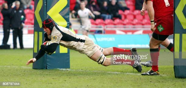 Saracens' Hayden Smith dives over to score under the posts against Scarlets during the LV=Cup at Parc y Scarlets Llanelli