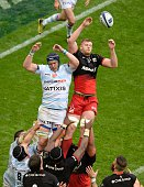 Saracens' lock George Kruis vies for the ball during the European Rugby Champions Cup match beetween Racing Metro 92 and Saracens FC at the Parc...